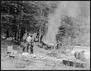 Men and women at Elkhorn camp on the Dosewallips River