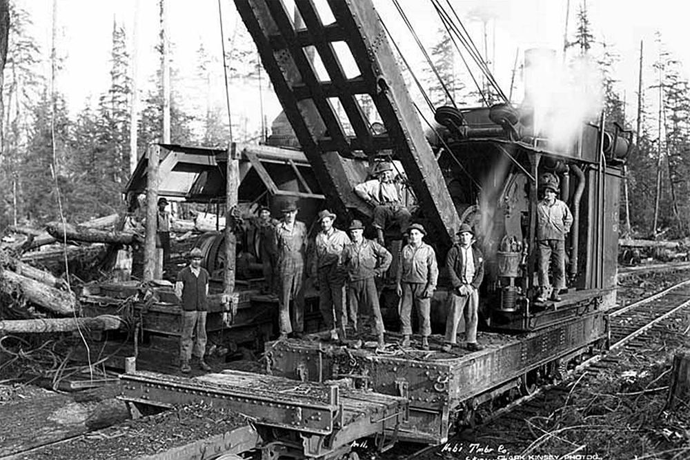 Crew with loading crane and donkey engine, Hobi Logging Company, ca. 1928