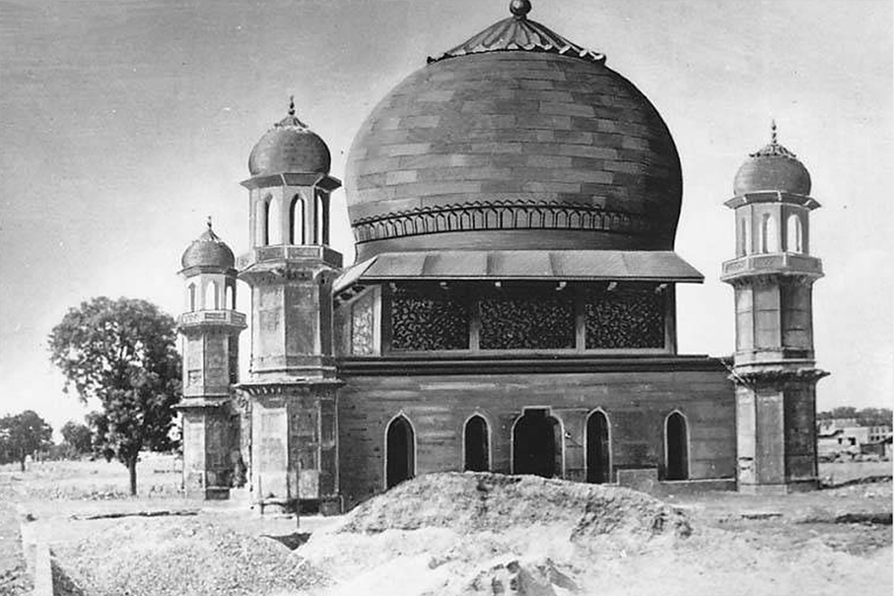 Conjectural restoration of the Chauburj, Agra's trans-Jamuna region, India, 1965-2000