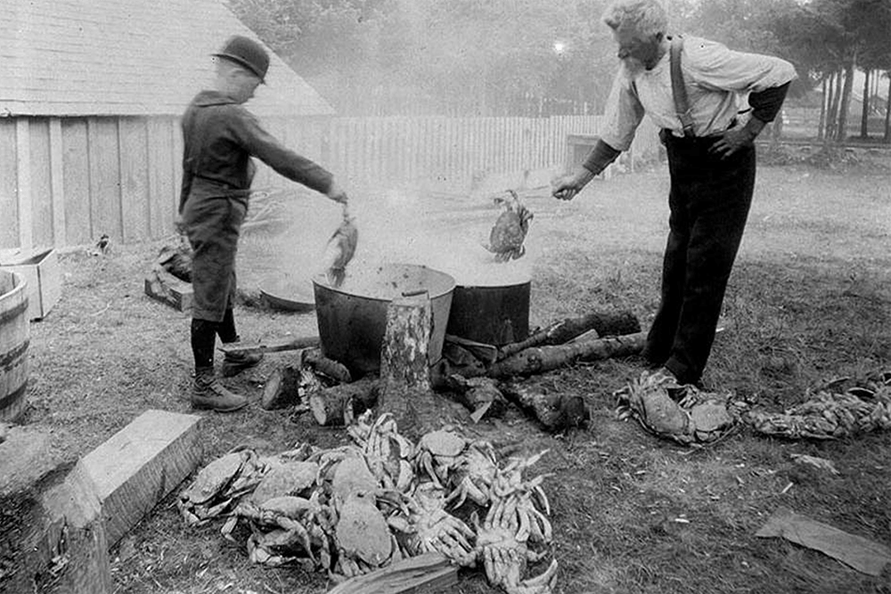Crab cooking, Long Beach, Washington, ca. 1897